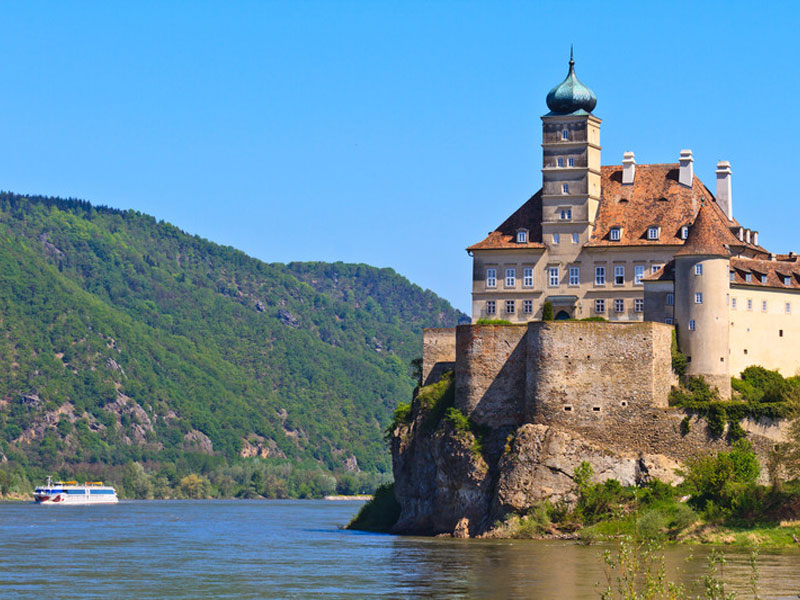 Schnobuhel Castle on River Danube